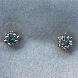 0416 9 ct white gold blue zircon EARRINGS